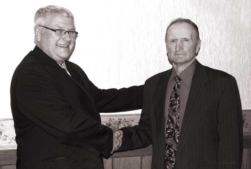 Howard Wiedenhoeft congratulations Donald Bohn, Ixonia, WI