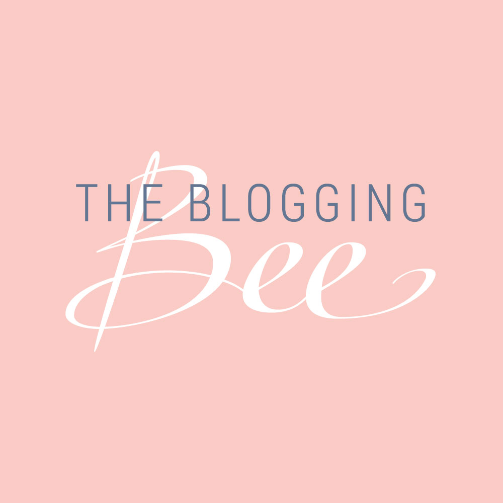 The Blogging Bee logo